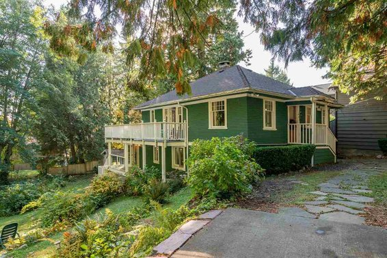 Heritage Home for Sale // 461 E St James Road