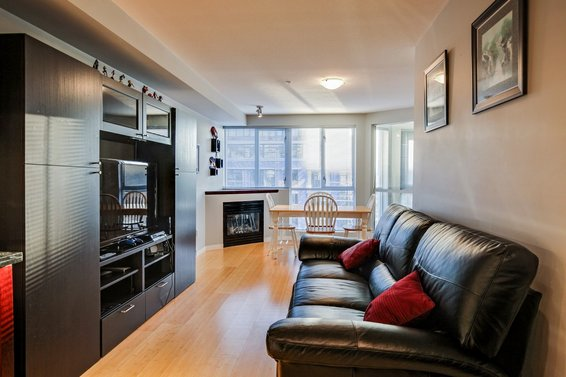 New Listing | 409-122 East 3rd Street | Lower Lonsdale