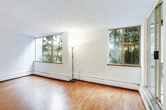 SOLD // 309-2004 Fullerton Avenue
