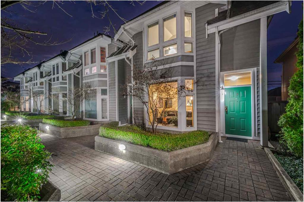 St Andrews House, 233 E 6th St - Townhomes For Sale
