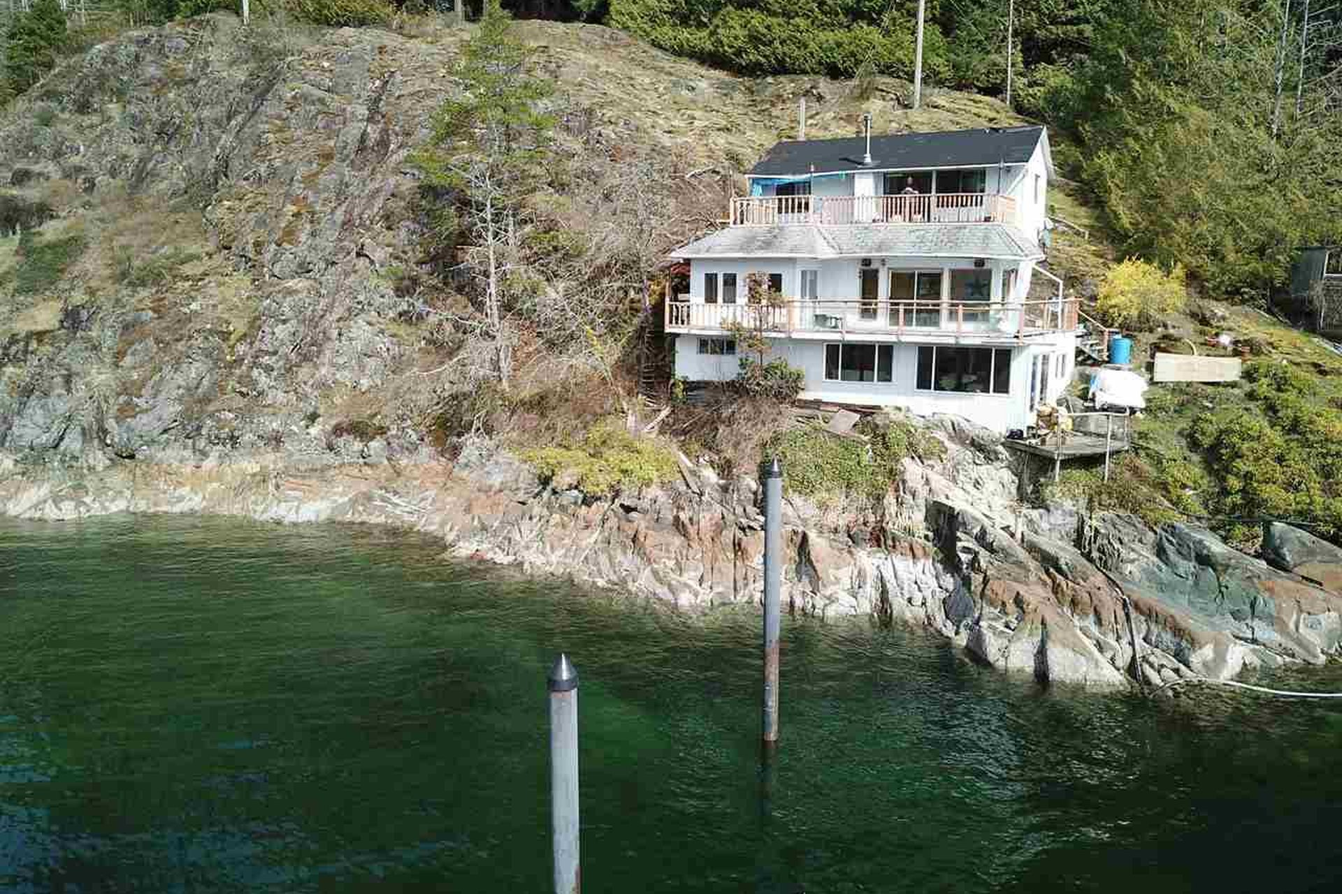 waterfront foreclosure for sale north shore vancouver