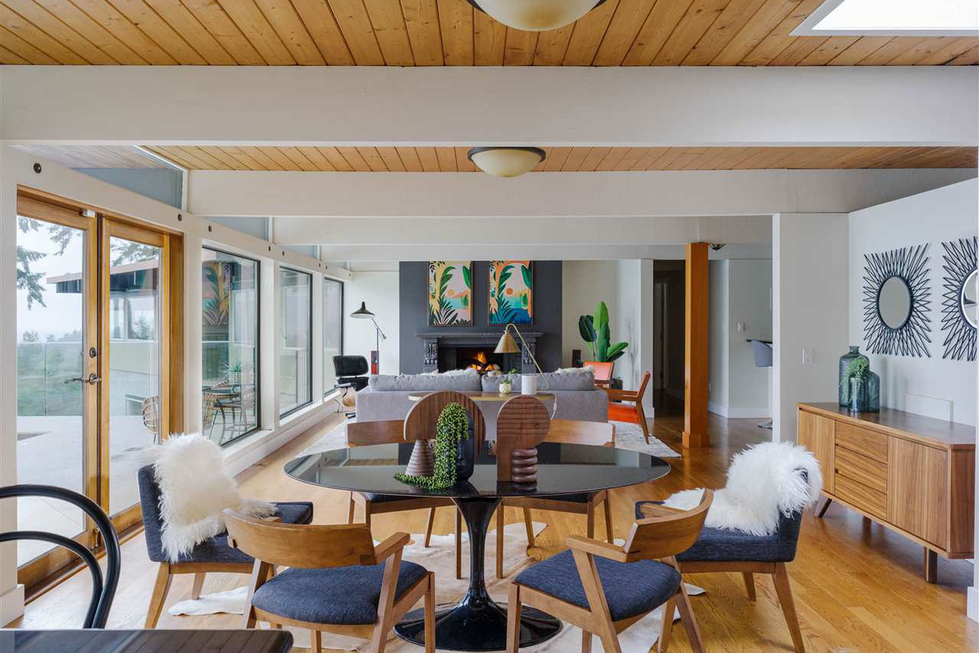west vancouver mid century modern house for sale ron thom design